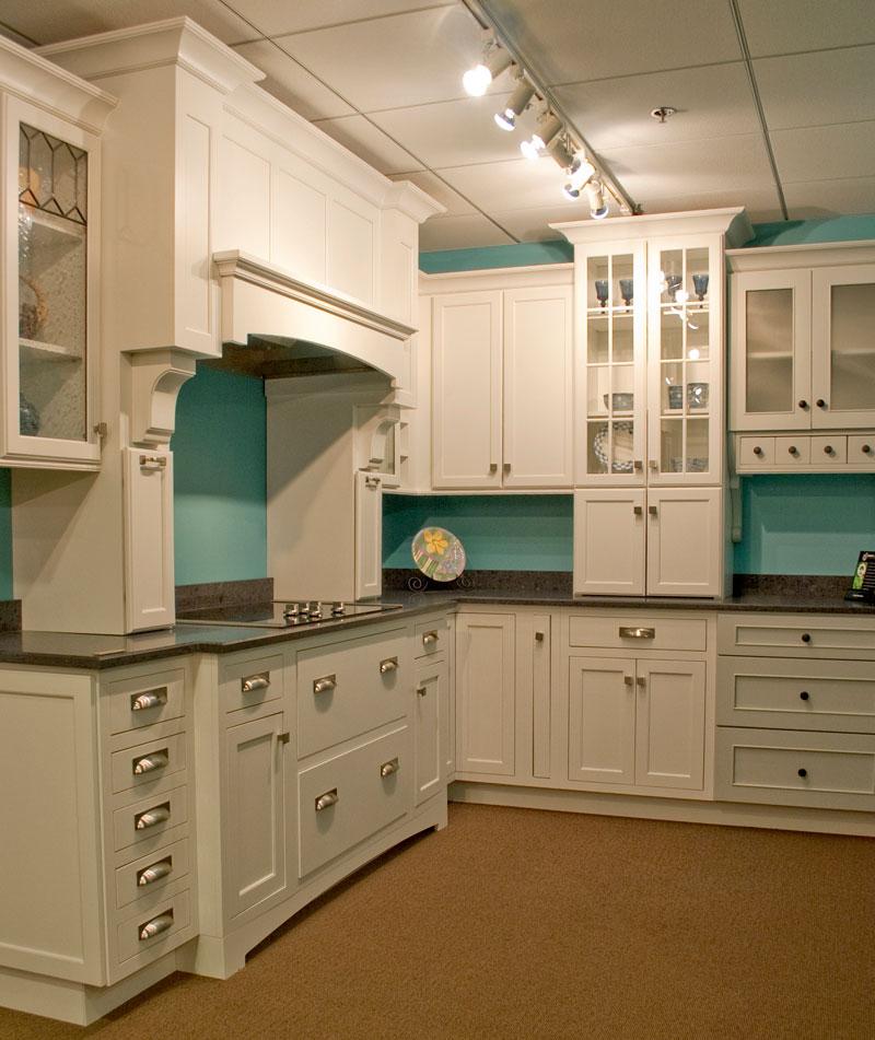 Kitchen Cabinets Naperville: Seigles Cabinet Center