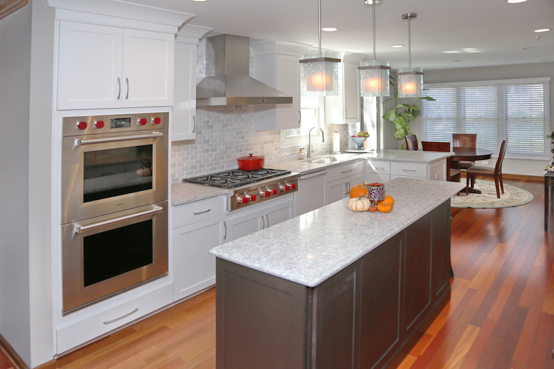 Cabinet Brand: Diamond Vibe Door Style/Wood/Finish: Perimeter: Bryant Pure  Style White Island: Bryant Maple Dark Ale Designer: Beth Hoffman